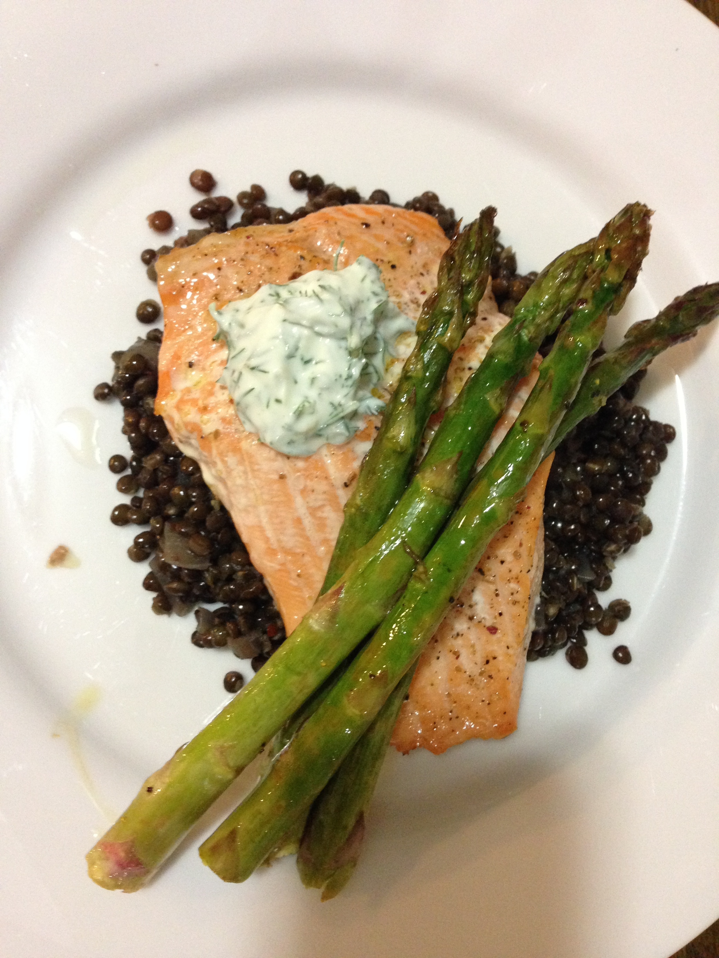 Baked Salmon With Lentils And Greek Yogurt Dill Sauce